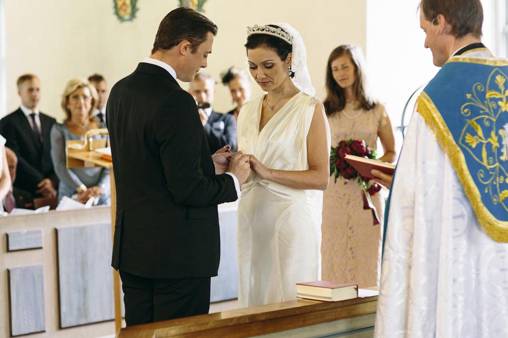 bröllop trollhättan hjärtums kyrka vigsel ringar