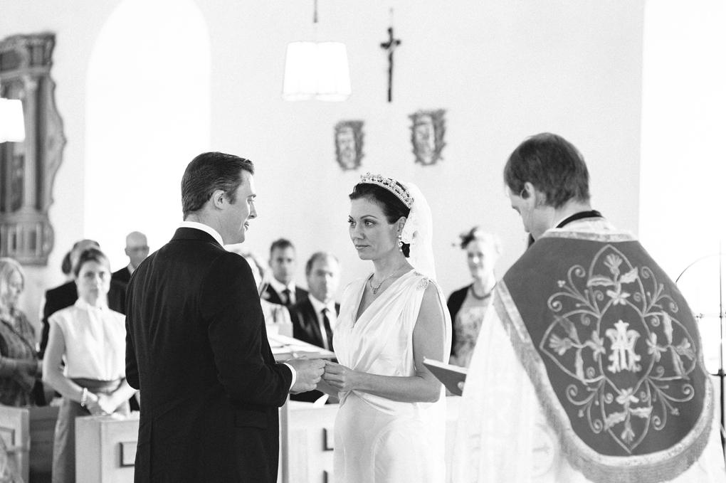 bröllop trollhättan hjärtums kyrka vigsel ring